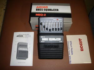 Педаль эффектов Arion MEQ-2 Bass Graphic Equalizer